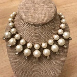 Beautiful J. Crew pearl statement necklace
